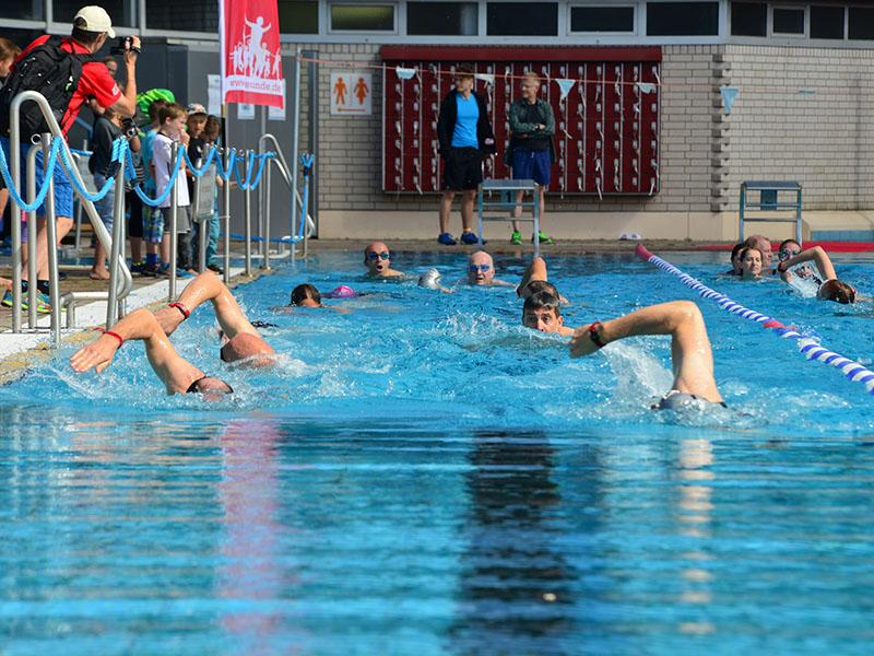 Alt: Schwimmen