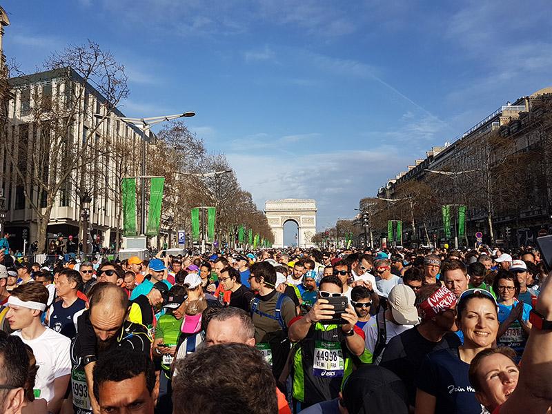 Avenue Champs-Élysées vor dem Start