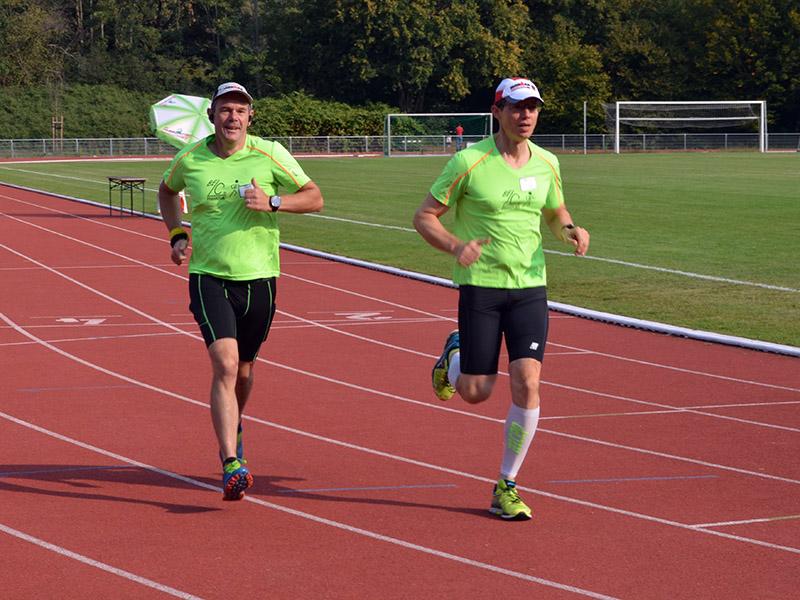 David und Steffen starten ihren 5-km-Lauf
